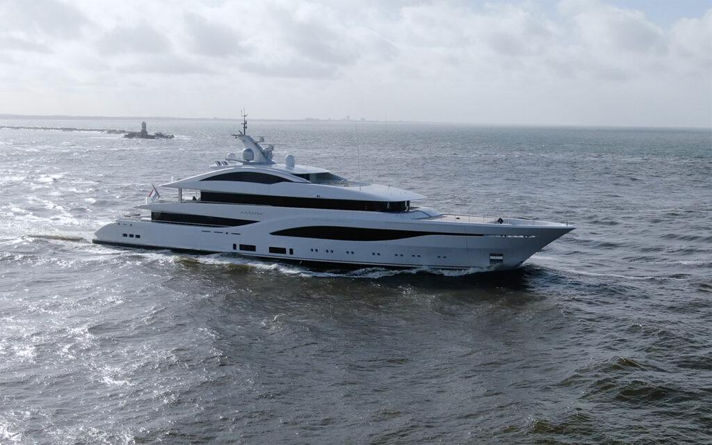 New 75m Feadship Arrow on sea trials 2